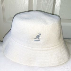 New w/Tags White Hat Size Medium